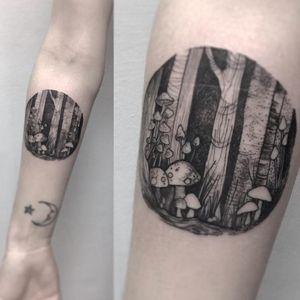 Tattoo by Cloto Acherontia #ClotoAcherontia #treetattoos #trees #tree #nature #wood #outdoors #land #earth #illustrative #forest #mushroom
