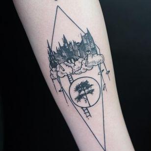 Tattoo by Eszter David #EszterDavid #treetattoos #trees #tree #nature #wood #outdoors #land #earth #blackwork #surrealism #surreal #eye #building #architecture #birds #Linework #illustrative