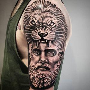 Greek mythology black and grey realism lion Zeus #blackandgreytattoo #blackandgrey #realistic #realism #realistictattoo #blackandgraytattoo #blackandgraytattoos #blackandgraytattoos #tattoo #zuestattoo