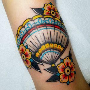 •TRADITIONAL FOLDING FUN• DONE WITH: @fkirons @worldfamousink @stencilstuff @magicmoon_tattoo_supply . . . #tattoo #tattooofinstagram #tattooflash #traditional #traditionaltattoo #neotradeu #neotraditional #flashtattoo #neotraditionaltattoo #ink #inked #inkedman #inkedmagazine #inkedgirl #tattooofinstagram