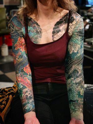 all shade and color by hand. in progress cover up at @tattoo_tatau . will continue in @herberthoffmannconvention . left side of chest bit fade by laser, will fix it. Mukai Ryu カバーアップ 途中 向龍 @kurosumitattooink #kurosumi #kurosumiink #kurosumitattooink ・ appointment via e-mail kensho@japantattoo.net ・ ・ ・ ・ #tebori #handpoke #horimono #irezumi #japantattoo #japanesetattoo #japaneseirezumi #wabori #traditionaltattoo #japaneseart #inked #tattoo #tattoos #tattoolife #irezumicollective #tattooartisan #tattooing #tattooedgirls #tatuaje #手彫り #刺青 #dragontattoo #tattootatau #austriatattoo #villach