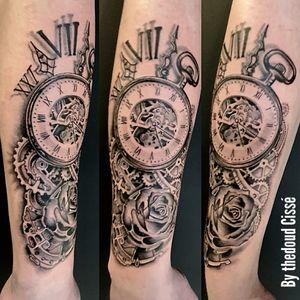 tattoo black and gray by Thedoud  #tattoo#realistictattooartist#tattoorealista #tattoogirls #inkedgirl #inkedart #thedoud #tattoolifemagazine #inklife #inked#tatto_videos#propen #paulocruzes #thedoud#florals#tattoofloral#tattoolifemagazine#inkedgirls#tattoogirl#girlytattoo#rose#roses#balckandwhitetattoo#blackwork#tattoorose#womantattoo#tattoogirl#girly#blackworkersubmissions#inkmemagazine#gousset#pocketwatch#pocketwatchtattoo