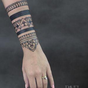 Ornamental tattoo in Prague – Pavel. Black House Tattoo Prague #dnestetujem #tetovani #czechtattoo #tetování #praguetattoo #kerka #tetovanipraha #kerky #tattoopraha #tattooprague #tattooczech #prahatattoo #tattoocz #cztattoo #prahatetovani
