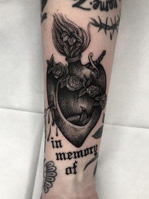 Tattoo by Tine DeFiore #TineDeFiore #mementomoretattoos #mementomori #death #dying #skull #RIP