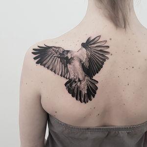 """Progress is impossible without change, and those who cannot change their minds cannot change anything."" -George Bernard Shaw #tat #tats#tattoo #crow #raven #bird #intelligence #blackandgrey #nature #tattoooftheday #thommesenink #vienna #truecanvas"