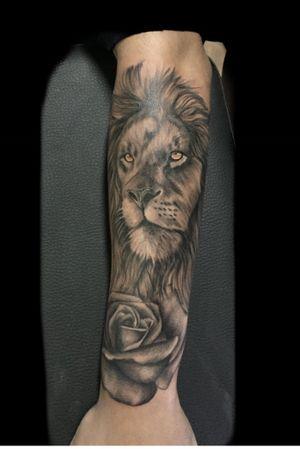 Lion tattoo wats 985555128