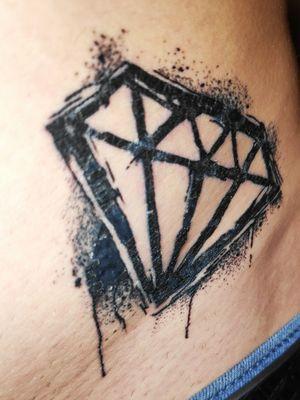 #diamondtattoo #diamond #blacktattoo #frenchartist