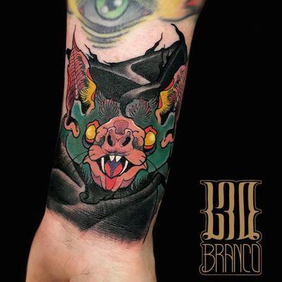 Tattoo by Leonardo Branco #LeonardoBranco #battattoos #bat #animal #dracula #vampire #nature #night #neotraditional #color #newschool