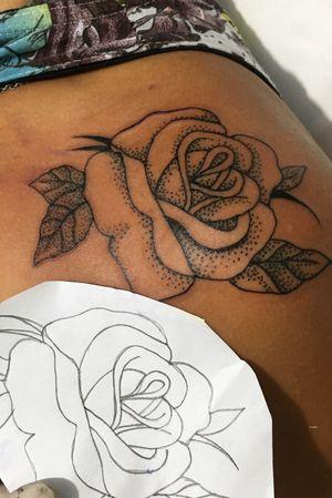 #rose #rosasimples #roseline #pontilhismo #pontilhismotattoo #rosepontilhism