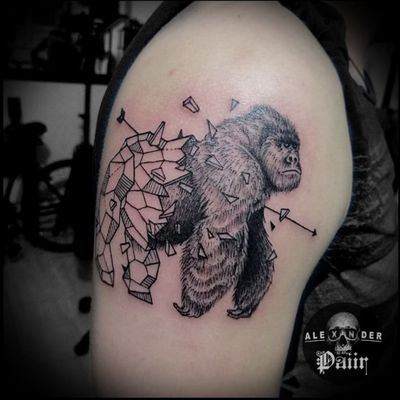 ~ Gorilla 🔥@PaiirStudio Para citas y cotizaciones: - WhatsApp 314-453-2275 - Bogotá. Calle 57 Sur # 3H-23 #Tattoo #Tatuaje #Man #TattooArt #Tattoos #Tatuajes #Bogotá #Gorilla #BlackWork #Geometrico #Gorila #Amazing #GorillaTattoo #Bogotá #Ink #Hombre #Animal