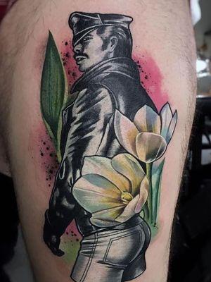 Thigh tattoo by Freddie Albrighton #FreddieAlbrighton #TomofFinlandtattoos #TomofFinlandtattoo #TomofFInland #leather #kink #queer #gayculture #leatherdaddy #portrait #men