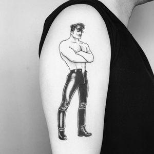 Upper arm tattoo by Mr Lauder #MrLauder #TomofFinlandtattoos #TomofFinlandtattoo #TomofFInland #leather #kink #queer #gayculture #leatherdaddy #portrait #men