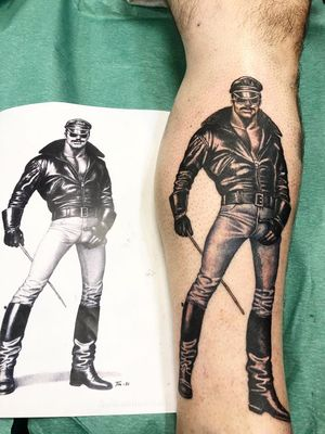 Lower leg tattoo by Sergio Sanchez #SergioSanchez #TomofFinlandtattoos #TomofFinlandtattoo #TomofFInland #leather #kink #queer #gayculture #leatherdaddy #portrait #men