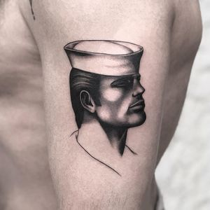 Upper arm tattoo by Jonathan McKenzie #JonathanMcKenzie #TomofFinlandtattoos #TomofFinlandtattoo #TomofFInland #leather #kink #queer #gayculture #leatherdaddy #portrait #men