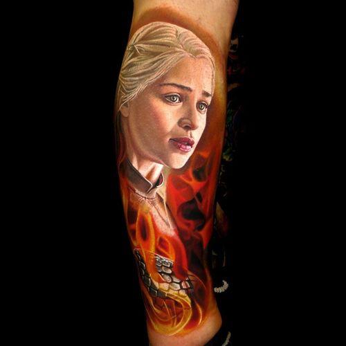 Game of Thrones tattoo by Nikko Hurtado #NikkoHurtado #GameofThrones #GameofThronestattoo #GoT #GoTtattoo #HBO #tvshowtattoo #popculturetattoo #daenerystargaryen #realism