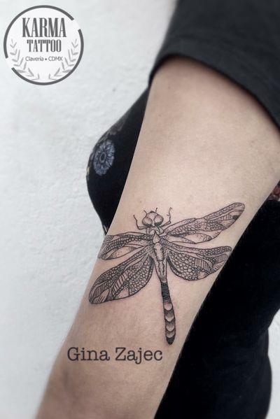 Citas y cotizaciones por email: karmainkcollective@gmail.com o visita nuestro sitio web: karmainkcollective.com CDMX #tattoo #tatuaje #mexicocity #cdmx #ginazajec #karmatattoo #karmatattoomx #tatuajeennegro #blackwork #tatuajemexico #tatuadora #mexicana #blackink #dragonfly #dragonflytattoo #femaletattooartist #tattooartist