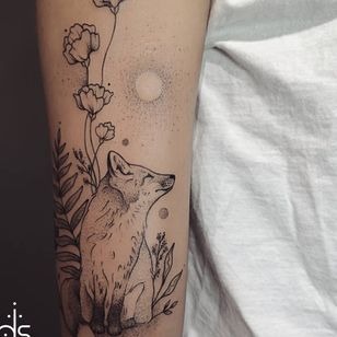 Little fox in dotwork and fineline