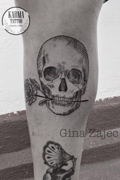 Citas y cotizaciones por email: karmainkcollective@gmail.com o visita nuestro sitio web: karmainkcollective.com CDMX #tattoo #tatuaje #mexicocity #cdmx #ginazajec #karmatattoo #karmatattoomx #tatuajeennegro #blackwork #tatuajemexico #tatuadora #mexicana #blackink #skull #skulltattoo #skulltattoos #femaletattooartist #tattooartist #flowertattoo #flowertattoos