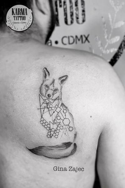 Citas y cotizaciones por email: karmainkcollective@gmail.com o visita nuestro sitio web: karmainkcollective.com CDMX#karmatattoo #karmatattoomx #tatuajeennegro #blackwork #tatuajemexico #tatuadora #mexicana #blackink #foxtattoo #foxtattoos #geometric #geometrictattoo #femaletattooartist #tattooartist