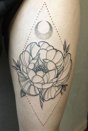 #linework #flowertattoo #geometry #geometrictattoo