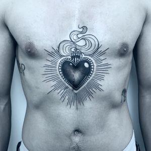 #neotraditional #sacredheart #sacredhearttattoo #linework