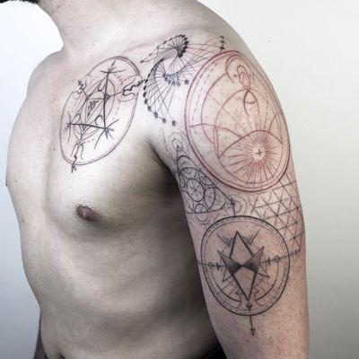 #ink #geometric #line #linework #mandalas #circle #red #black #ilaydatlas #instagram #tattoo #tattooartist #tattoodo #ink