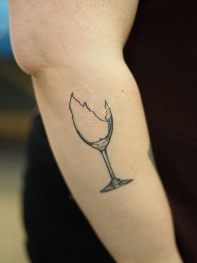 Non electric Hand poke tattoo by Blame Max #BlameMax #handpoke #stickandpoke #nonelectric #linework #illustrative #fineline #glass #wine #brokenglass