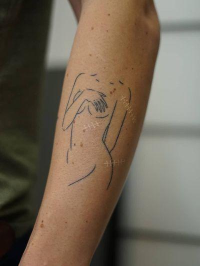 Non electric Hand poke tattoo by Blame Max #BlameMax #handpoke #stickandpoke #nonelectric #linework #illustrative #fineline #body #lady