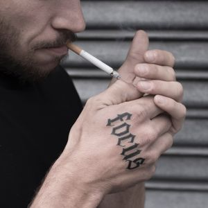 FOCUS #blacklettering #blackwork #lettering #letteringtattoo #letter #letters #typography #typographie #blackletter #handtattoo #blackworktattoo #paris #paristattoo #tattooparis