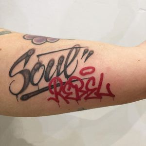 Upper arm tattoo by Stefano Phen #StefanoPhen #letteringtattoos #lettering #text #font #type #calligraphy #script #letters #quotes #words
