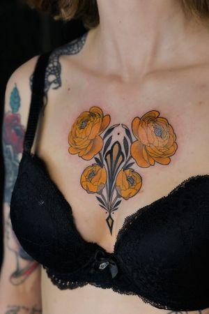 #chestflower #neotraditional #flower #chestpiece #jentonic
