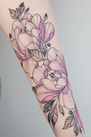 #crushonline #color #peony #flowers #cute #TattooGirl