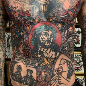 Jesus tattoo by Matt Andersson #MattAndersson #Jesustattoo #JesusChristtattoo #religioustattoo #religious #Catholic #Christian #portraittattoo #cross #crownofthorns