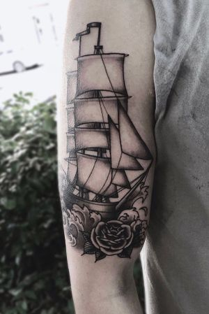 #traditional #traditionalship #ship #flower #waves