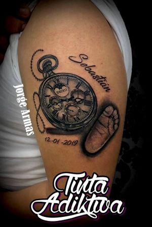 #clock #clocktattoo #foot #babyfoot #foottattoo #babyfoottattoos #reloj #relojtattoo #relojtatuaje #pie #pietattoo #piedebebe #piedebebetattoo #tattoo #ink #tintaadiktiva #veracruz #JorgeArmas #tatuadoresmexicanos