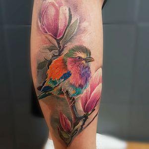 #birdtattoo #realistic #leg