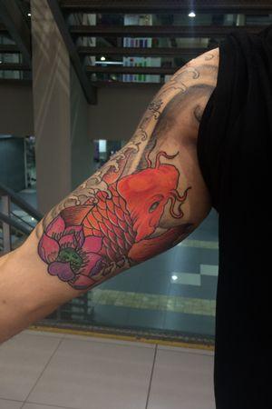 Koi fish healed 100%  si te gustaria tatuarte conmigo puedes contactarme por mis redes instagram @yokaitattoo_  o por esta plataforma     #asian #japanesetattoo #JapanesStyle #art #tattooartist #tattooart #koifish #Peru #tatuajes #ink #inked