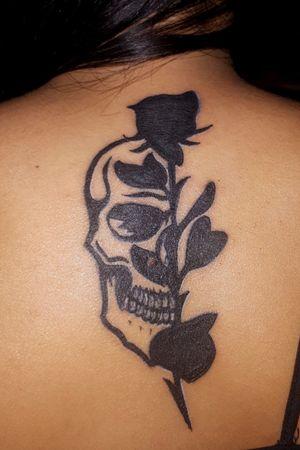 #skull #skulltattoo #rose #rosetattoo #tattoo #valeryink #black #dynamic #viking #ink #inkstagram