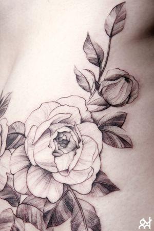line work flower tattoo, Rose #flowertattoo #lineworktattoo #flowetattoodesign #rosetattoo #finelinetattoo by. Voram