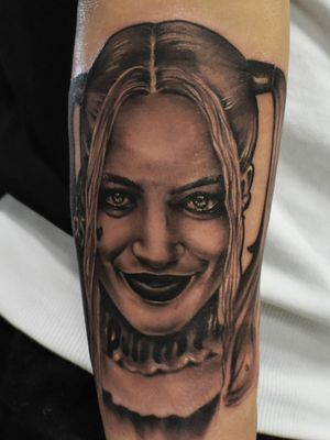 Harley Quinn I've done on Ink & Oil 2019 ;) #dktattoos #dagmara #kokocinska #coventry #coventrytattoo #coventrytattooartist #coventrytattoostudio #emeraldink #emeraldinkltd #dagmarakokocinska #harleyquinn #harleyquinntattoo #leopard #leopardtattoo #blackandgraytattoo #colourtattoo #realistictattoo