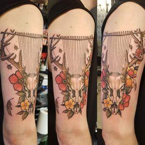 Deer skull #deerskull #deer #flowers #tattoo