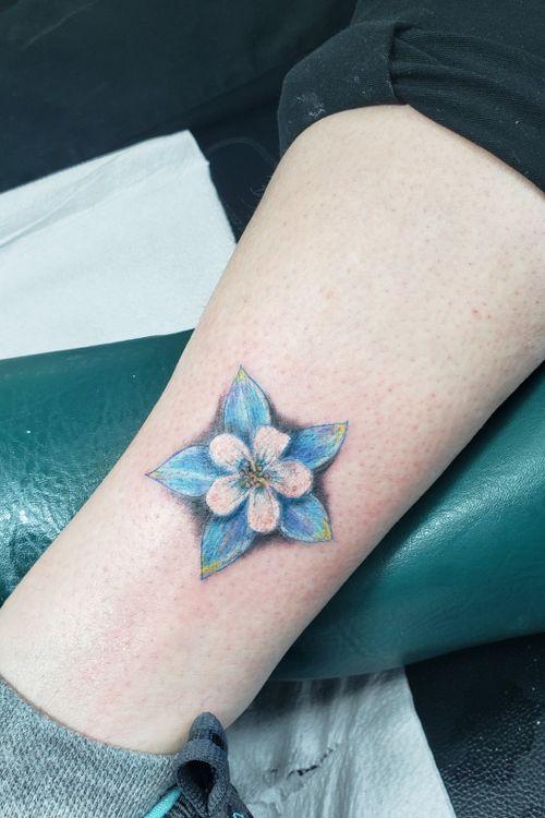#columbineflower #realismtattoo #colortattoo #tattoosforwomen #coloradotattooartist #coloradotattoos #coloradospringstattooartist