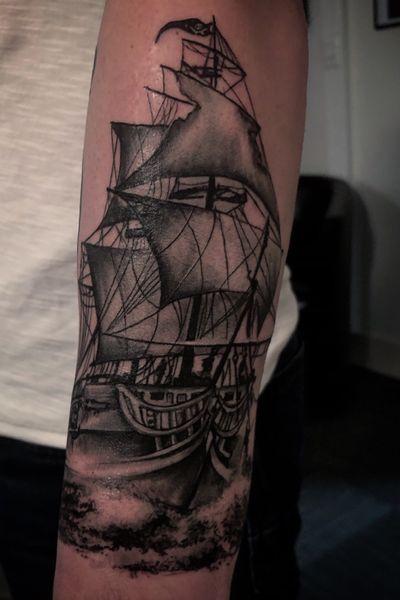 La piraterie n'est jamais finie 🏴☠️⚓️ _______ Done with: @sunskintattoo @kwadron @worldfamousink @stencilstuff @balm_tattoo __________ #nofilter #angers #angersmaville #angerstattoo #tattoo #tattoooftheday #monta #tatouage #tattooartist #tatuaje #tatts #blackandgrey #ink #inked #inkedgirls #tattooed #tattoogirl #inkedup #tattoogirl #tattooedgirls #beauty #tattooart #tattooflash #ornementaltattoo #realistictattoo #realism #tattoolife #tatouagemagazine #ship #pirate