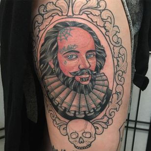 Shakespeare tattoo by Lee Lee Couture #LeeLeeCouture #Shakespeare #booktattoos #literarytattoos #booktattoo #literarytattoo #books #book #reading #literature