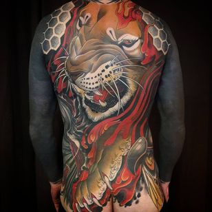 Neo Traditional tattoo by Bjorn Liebner #BjornLiebner #tattooartist #neotraditional #illustrative #darkart #antique #vintage #Japanese #lion #geometric