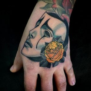Neo Traditional tattoo by Bjorn Liebner #BjornLiebner #tattooartist #neotraditional #illustrative #darkart #antique #vintage #Japanese #mask #drama #cry #tears #rose #handtattoo