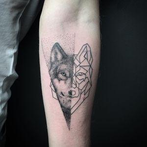 #nature #life #spiritual #wisdom #meditation #consciousness #blackandgreytattoo #wolves #wolf #wolfpack #geometrictattoo #geometry #linework #wolftattoo #geometric #worldofwolves #ulfur #🐺 #wildsoul #wolves #wolfdog