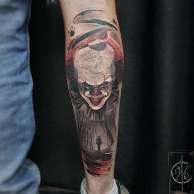 Pennywise #trashpolka #trashpolkatattoo #tat #tattooartist #abstracttattoo #realistictattoo #realistictattoos #realism #It #Pennywise #clowntattoo #clowns #DarkArt #horrortattoo