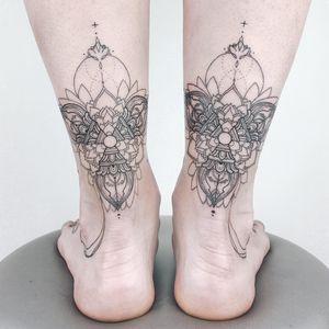 Fineline tattoo by Anna aka Crush On Line #Anna #CrushOnLine #tattooartist #besttattoos #awesometattoos #tattoosformen #tattoosforwomen #tattooidea #fineline #linework #ornamental #flower #floral #mandala