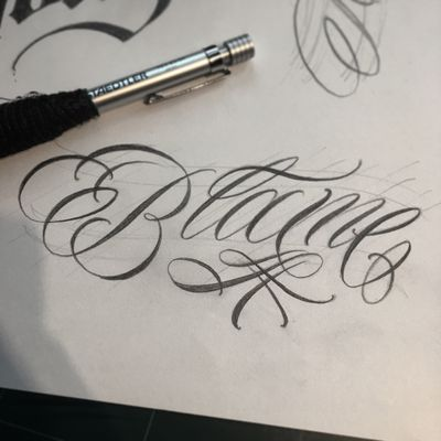 """Blame"" I need to practice hard.👊 #crystal #🇰🇷 #blacklettering #script #blackletters #calligraphy #customlettering #edgy #letteringtattoo #customtattoo #inked #hiphop #scripttattoo #lyrics #lettering #letras #dailysketch #freehandtattoo #handdrawing #calligraphytattoo #calligrafy #blackcalligraphy #치카노레터링 #커스텀레터링 #치카노타투"